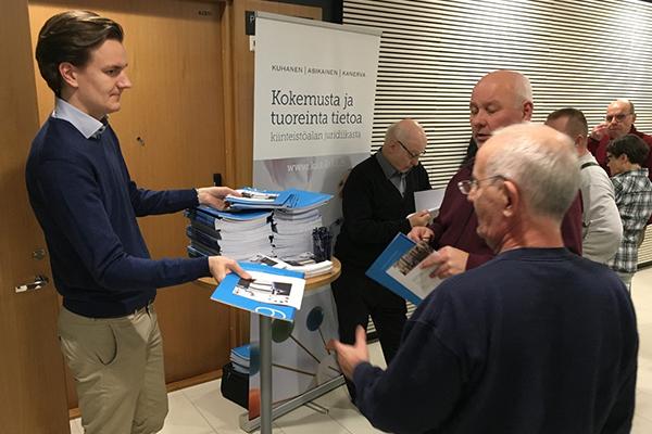 tupakkalaki, tammikuussa 2017 .Kiinteistöliitto Pirkanmaa ry,Asianajaja Ari Kanerva
