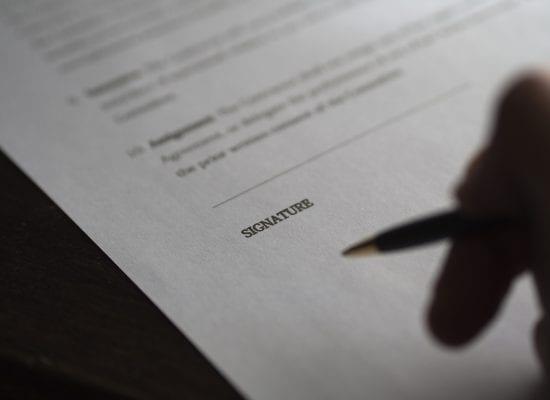 Sähköinen allekirjoitus on kätevä ja luotettava tapa kuitata taloyhtiön asiakirjoja