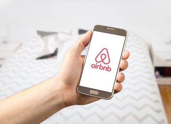 Vuokralainen ryhtyi Airbnb-majoittajaksi, vaikka vuokrasopimus ei sallinut sitä – luvattomalle toiminnalle tuli oikeudessa hintaa lähes 16 000 euroa