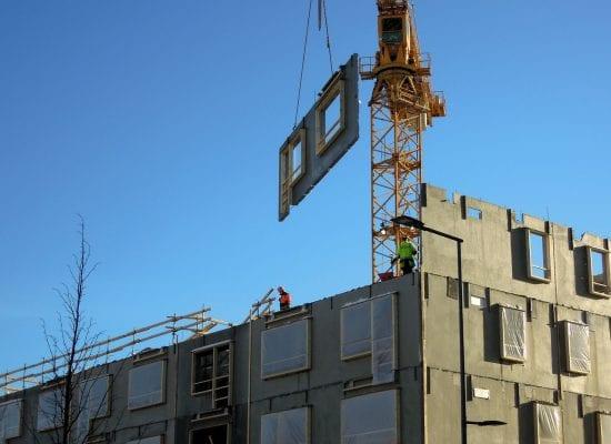 KHO:n ennakkopäätös: Kauppakeskuksen yhteyteen rakennettu asunto-osakeyhtiö välttyi korkeammalta kiinteistöveroprosentilta