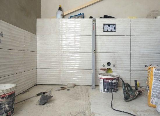 Osakas joutui vastuuseen vuosien takaisesta kylpyhuoneremontista: Virheet estivät putkien sukituksen