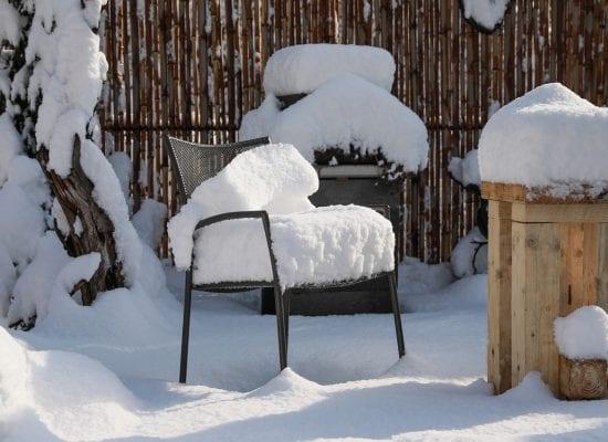 Kysy taloyhtiöstä: Kuka vastaa kattoterassille kertyneen lumen poistosta?