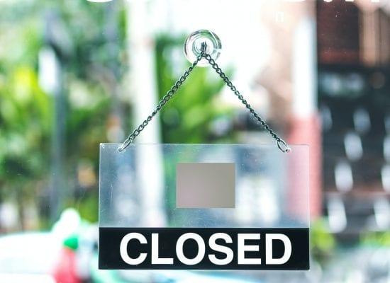Kaupparekisteri-ilmoituksen laiminlyönnillä oli syy-yhteys vuokrarästeistä aiheutuneeseen vahinkoon: yrityksen omistaja ja hallituksen ainoa jäsen tuomittiin yli 80 000 euron korvauksiin