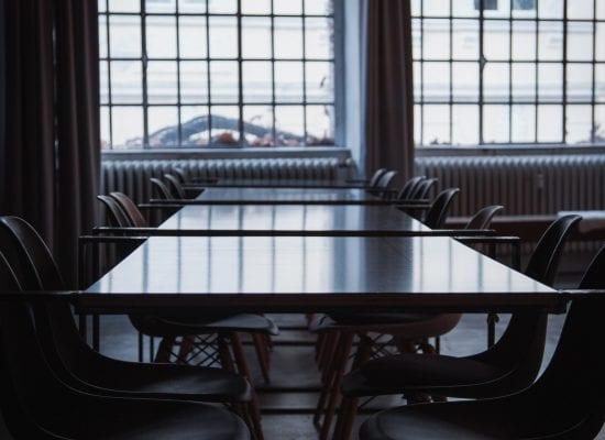 Kokoontumisrajoitukset eivät enää koske yhtiökokouksia – kokouksen siirtäminen silti suositeltavaa